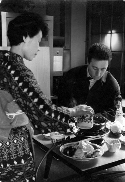 Friedrich Witt bei einer Teezeremonie in China